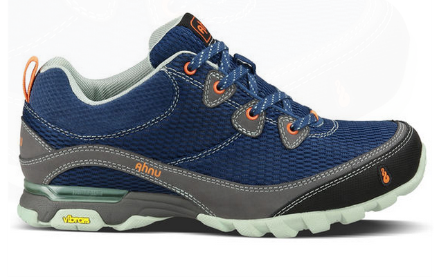 Top 10 Best Hiking Boots | Heavy.com