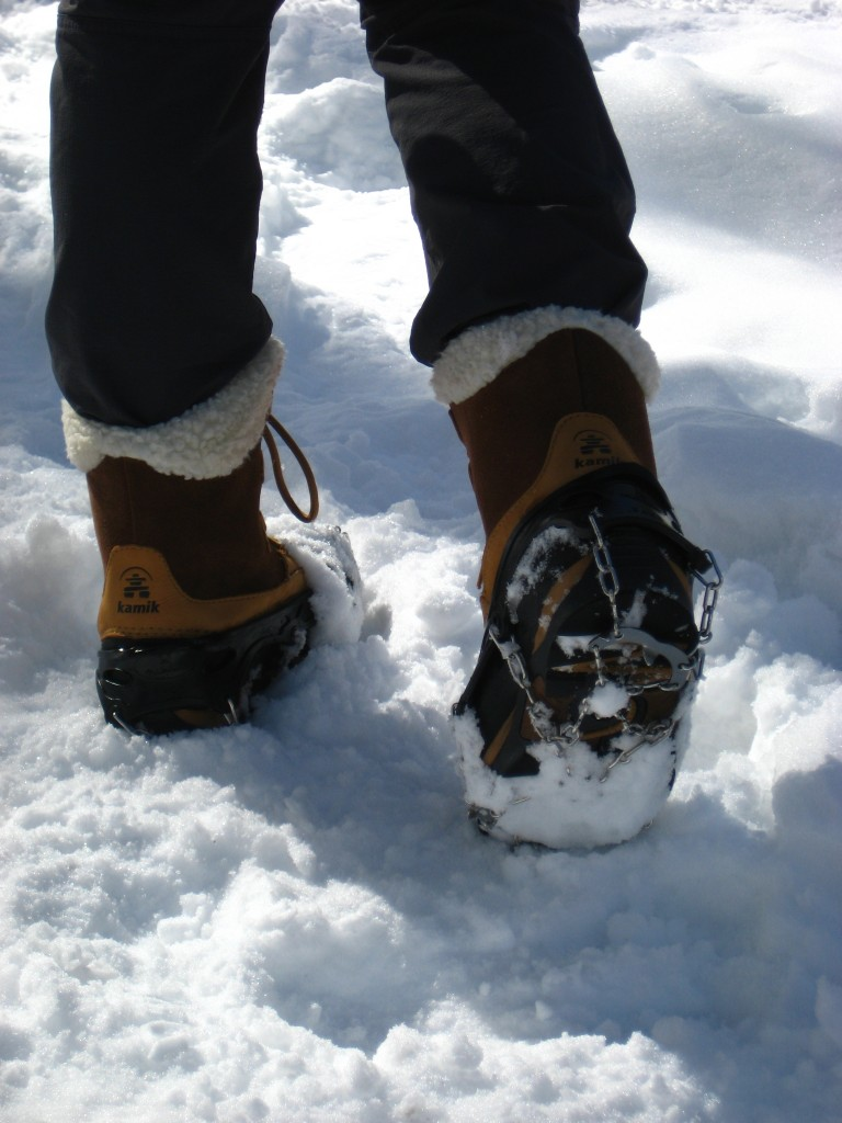 Hillsound FreeSteps6 Traction Device on my Kamik Boots